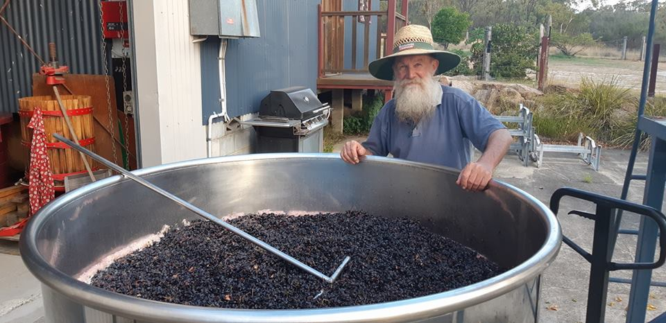 Winemaker: Warren Smith